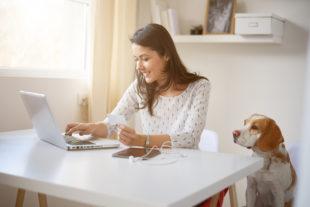 Como criar um espaço home office perfeito para o seu dia a dia?